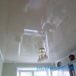 Натяжные потолки кухня фото