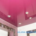 Натяжные потолки в ванную комнату фото